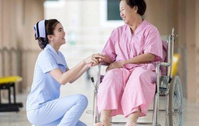 Học Cao đẳng Điều dưỡng, cơ hội xuất ngoại với mức lương khủng