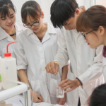 Tại sao cần học liên thông Cao đẳng Xét nghiệm lên đại học?
