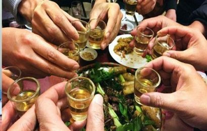 Tuyệt chiêu sai lầm của các quý ông uống rượu không say