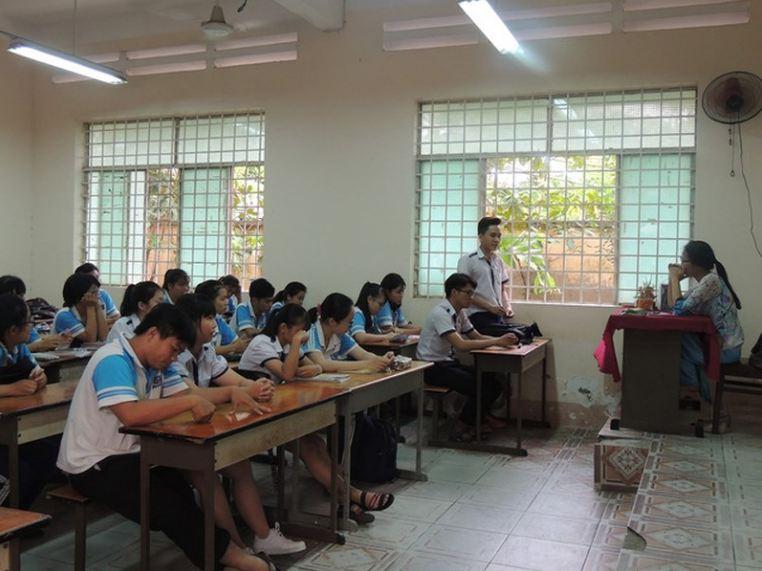 Đình chỉ công tác đối với cô Minh Châu lên lớp nhưng không giảng bài