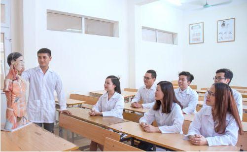 Học Cao đẳng Y Dược ở đâu TPHCM uy tín là băn khoăn của nhiều thí sinh